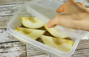 When To Pick Pears For Storing
